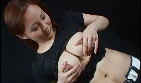 免费的色情鸡通过色情制品问题敏感的卵子在线
